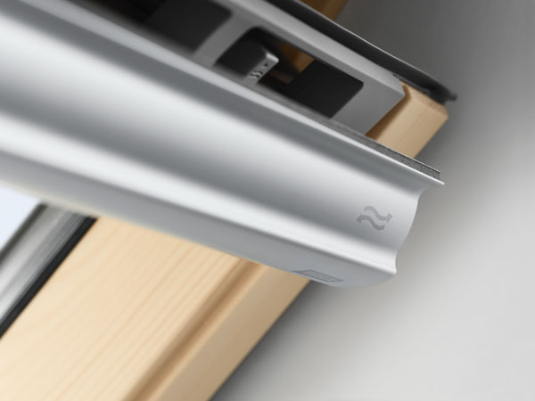 VELUX Standard - billenő tetőtéri ablak GZL 1051