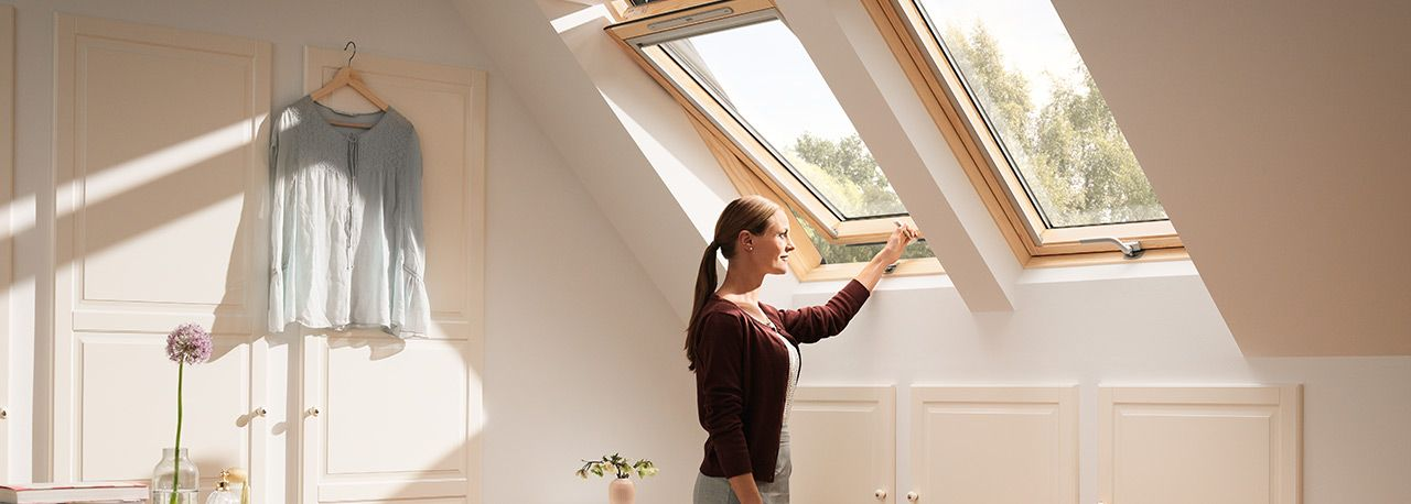 VELUX Standard - billenő tetőtéri ablak GZL 1051B